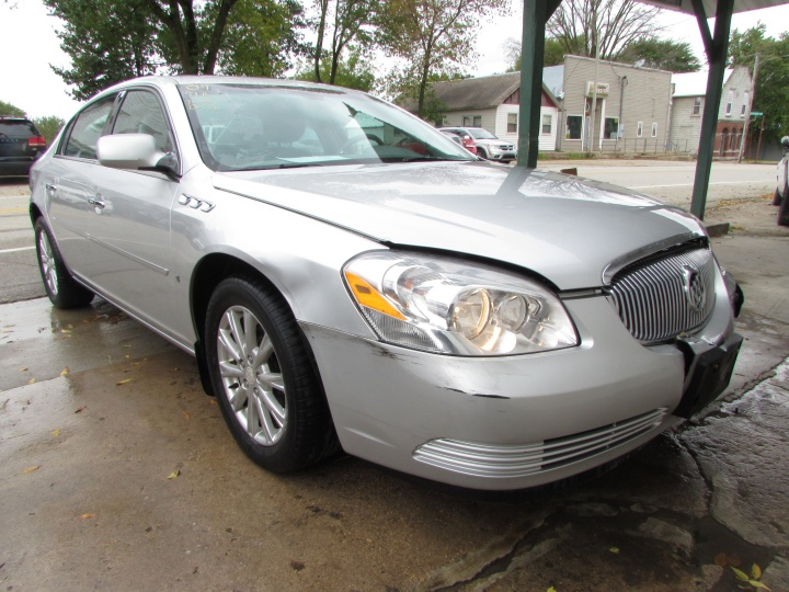 2009 Buick Lucerne CX Front Right