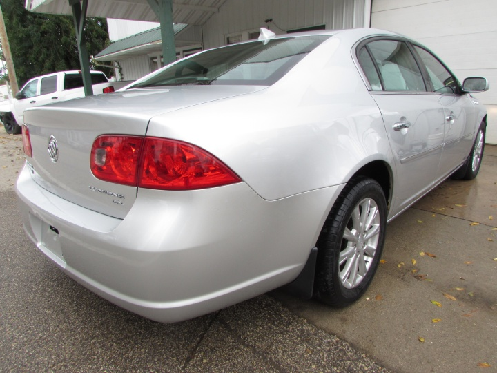 2009 Buick Lucerne CX Rear Right