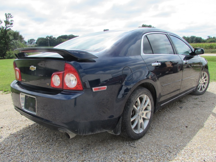 2009 Chevy Malibu LTZ Rear Right