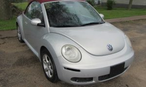 2009 VW New Beetle Front Right