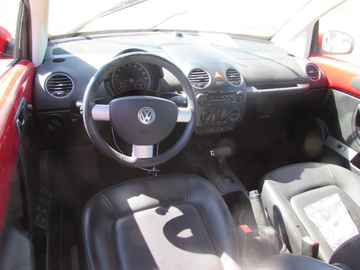 2009 VW New Beetle Interior