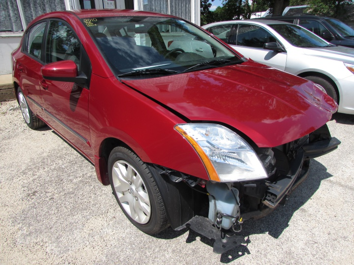 2010 Nissan Sentra Front Right