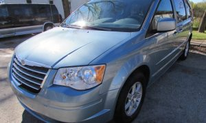 2010 Chrysler Town and Country Touring Front Left