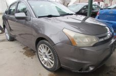 2011 Ford Focus SES Front Right