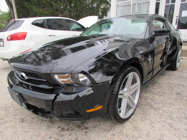 2011 Ford Mustang Front Left