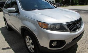 2011 Kia Sorento Front Right
