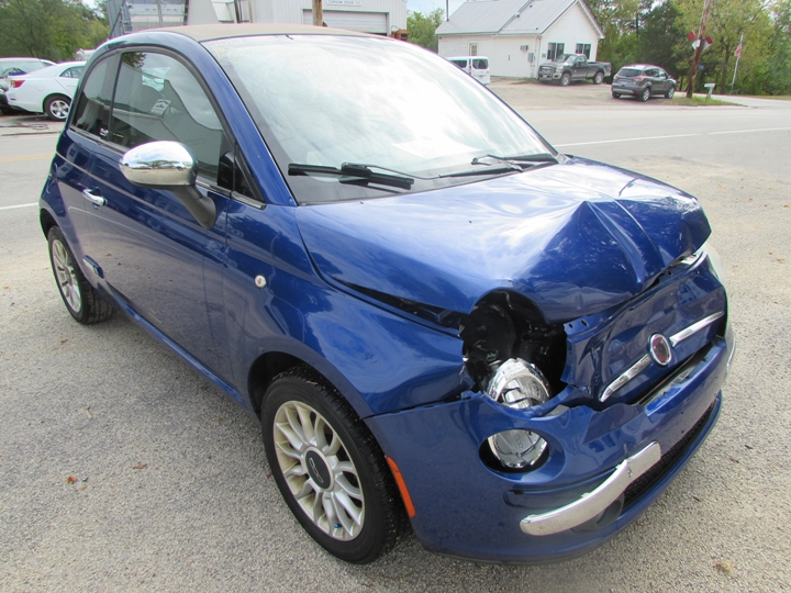 2012 Fiat 500 Lounge Front Right