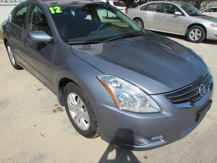 2012 Nissan Altima Base Front Right