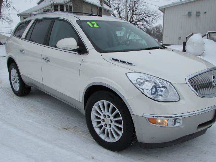 2012 Buick Enclave Front Right