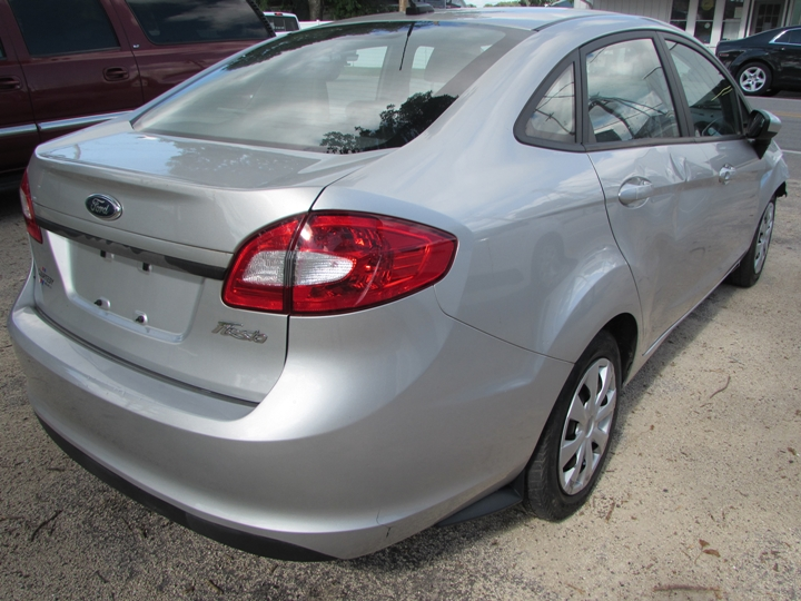 2012 Ford Fiesta S Rear Right