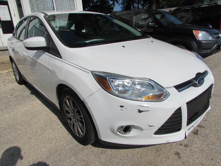 2012 Ford Focus SE Front Right