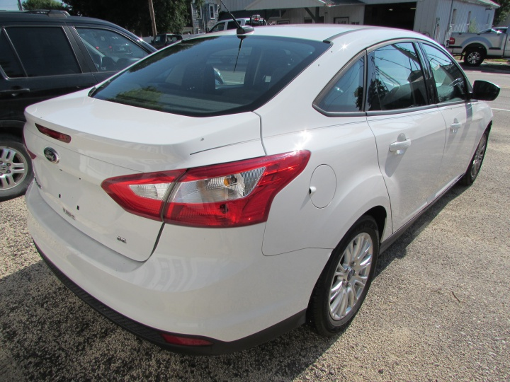 2012 Ford Focus SE Rear Right