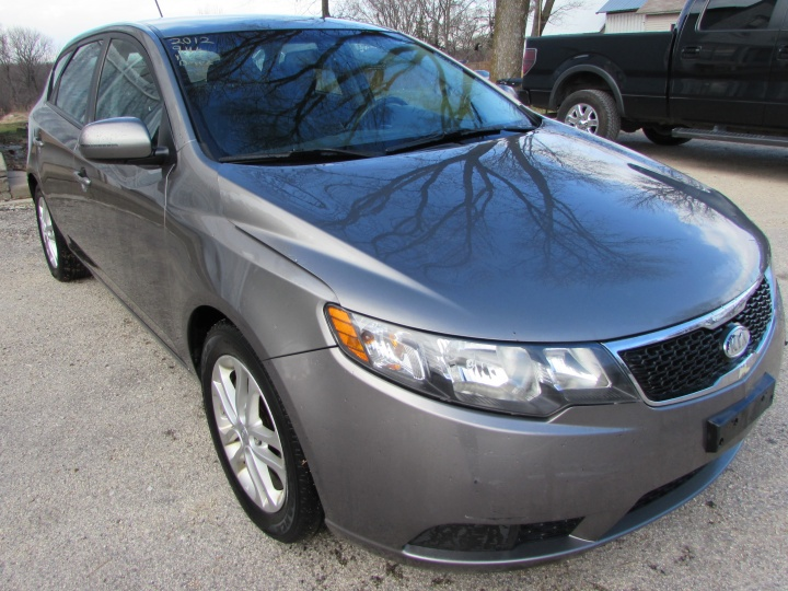 2012 Kia Forte EX Front Right