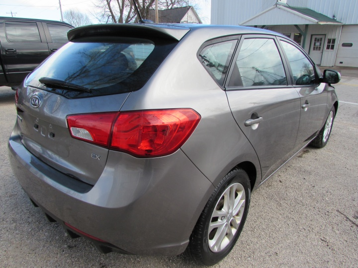 2012 Kia Forte EX Rear Right