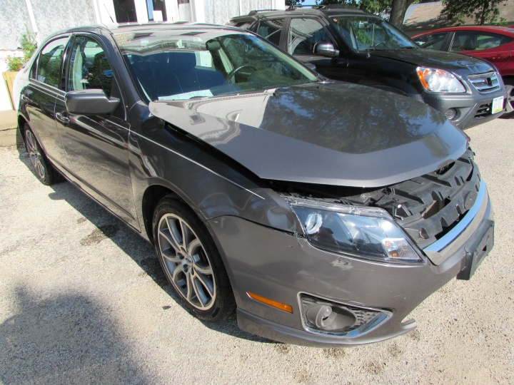 2012 Ford Fusion SE Front Right