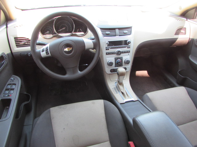 2012 chevrolet malibu 268575 ls repairable gary 39 s auto troy mills. Black Bedroom Furniture Sets. Home Design Ideas