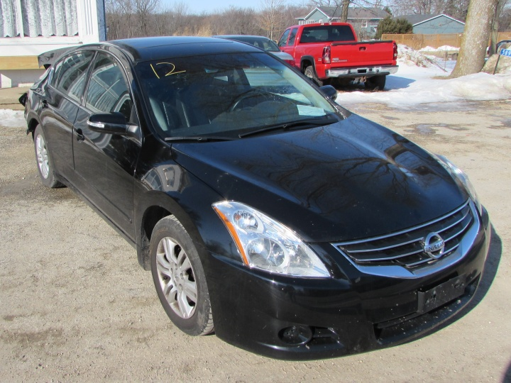 2012 Nissan Altima Front Right