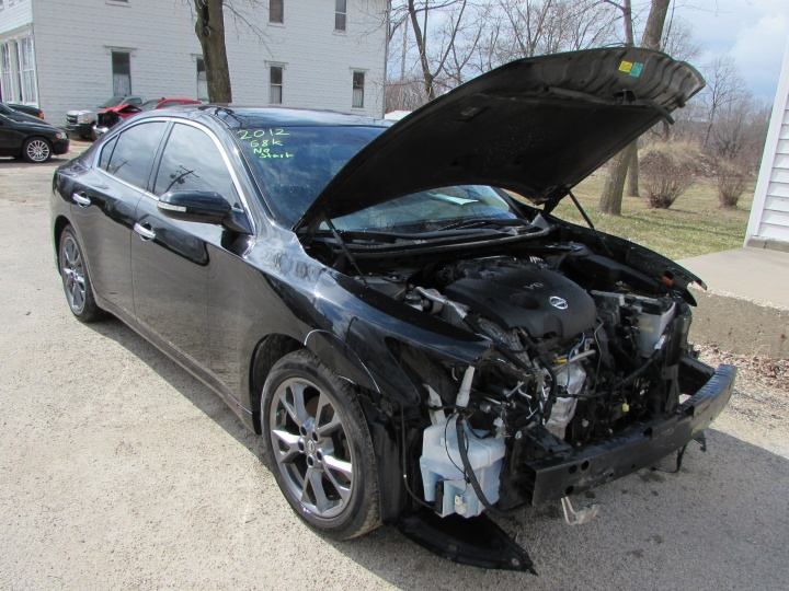 2012 Nissan Maxima Front Right
