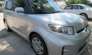 2012 Toyota Scion XB Front Right