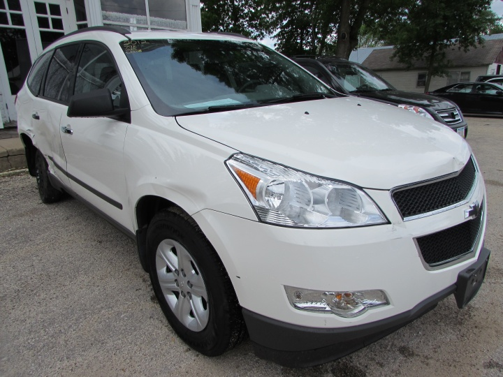 2012 Chevy Traverse LS Front Right