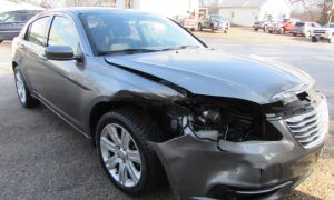 2013 Chrysler 200 LX Front Right