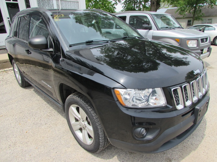 2013 Jeep Compass Sport Front Right