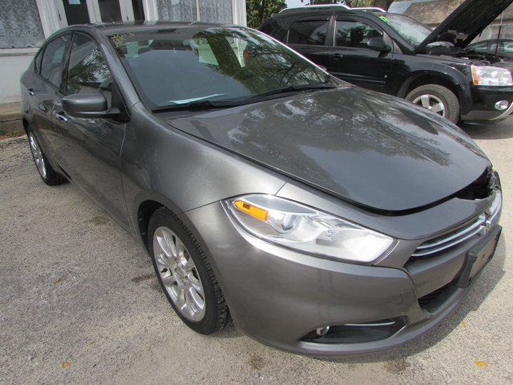 2013 Dodge Dart Limited Front Right