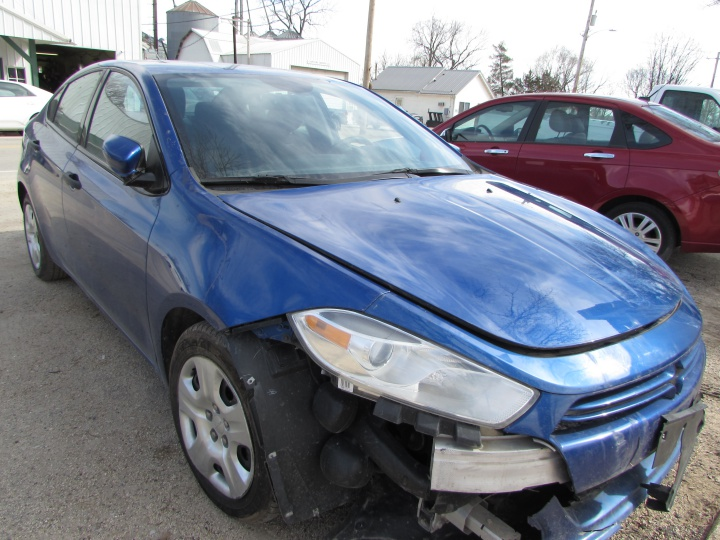 2013 Dodge Dart SE Front Right