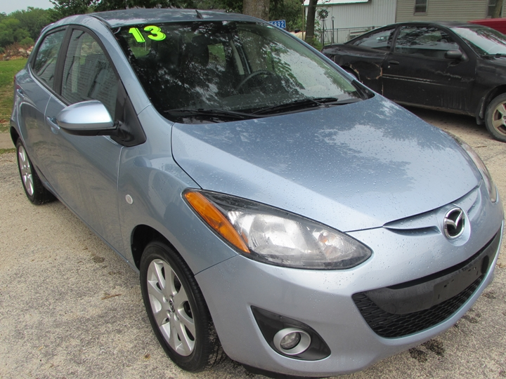 2013 Mazda 2 Front Right