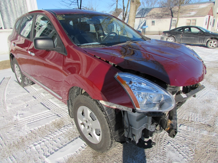 2013 Nissan Rogue Front Right