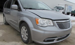 2013 Chrysler TandC Touring Front Right
