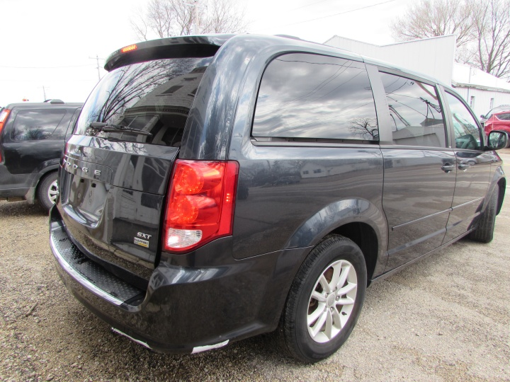 2014 Dodge Grand Caravan SXT Rear Right