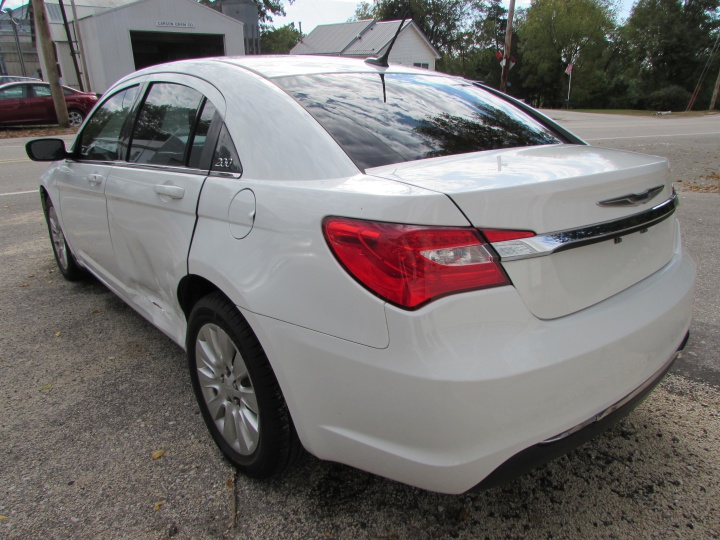 2014 Chrysler 200 LX Rear Left