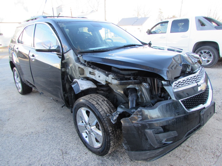 2014 Chevy Equinox LT Front Right