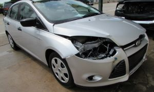 2014 Ford Focus S Front Right