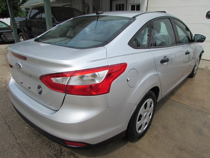 2014 Ford Focus S Rear Right