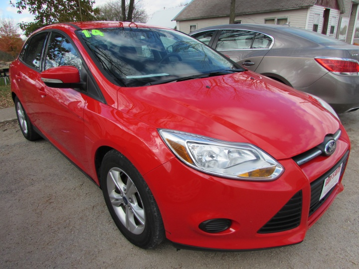 2014 Ford Focus SE Front Right