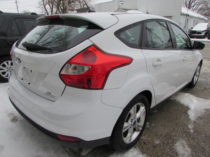 2013 Ford Focus SE Rear Right