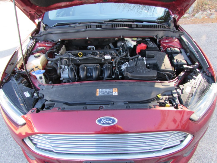 2014 Ford Fusion S Motor