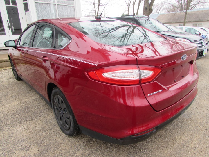 2014 Ford Fusion S Rear Left
