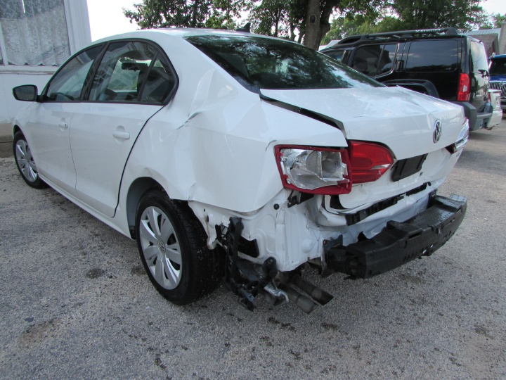 2014 VW Jetta SE Rear Left