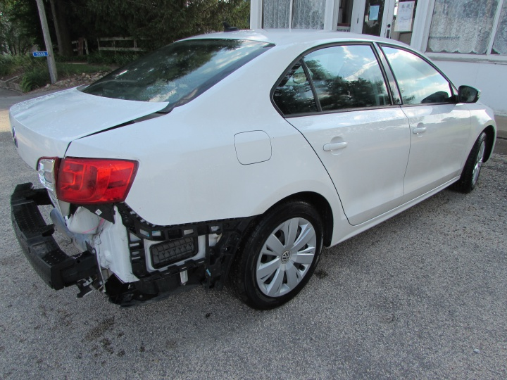 2014 VW Jetta SE Rear Right