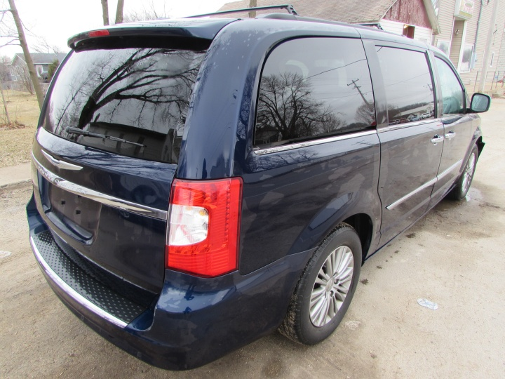 2014 Town & Country Rear Right
