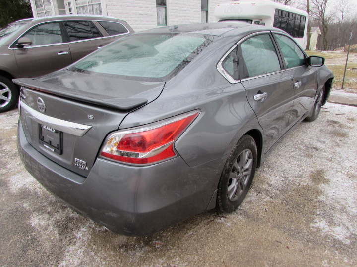 2015 Nissan Altima S Rear Right
