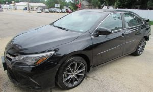 2015 Toyota Camry XLE Front Left