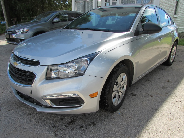 2015 Chevy Cruze Front Left