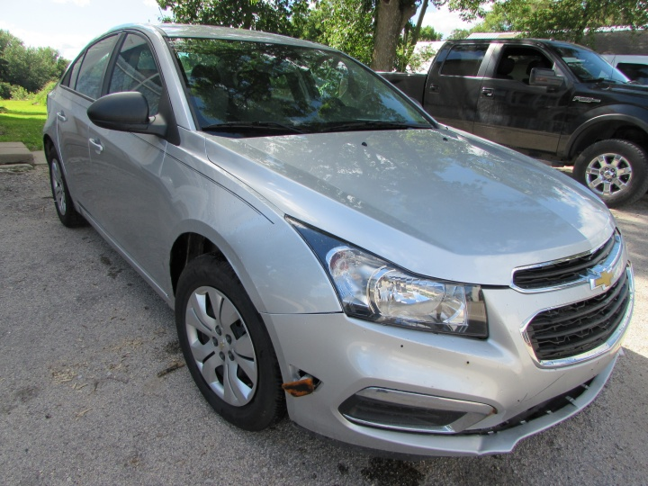 2015 Chevy Cruze Front Right