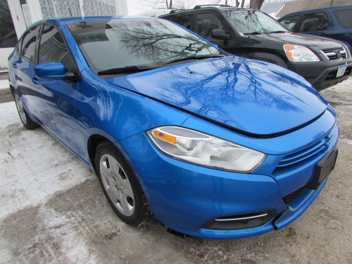 2015 Dodge Dart SE Front Right