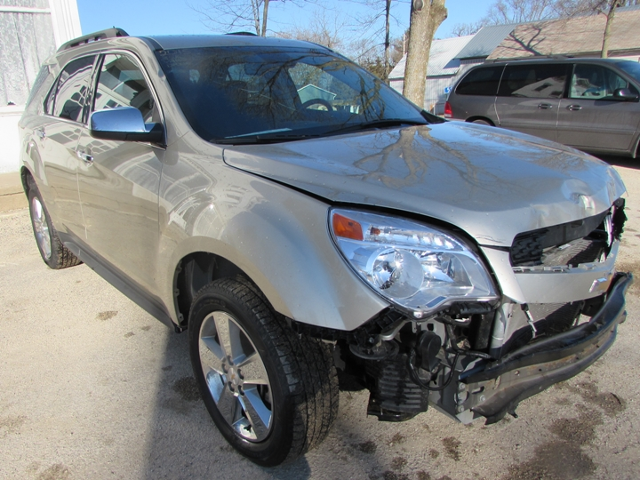 2015 Chevy Equinox LT Front Right