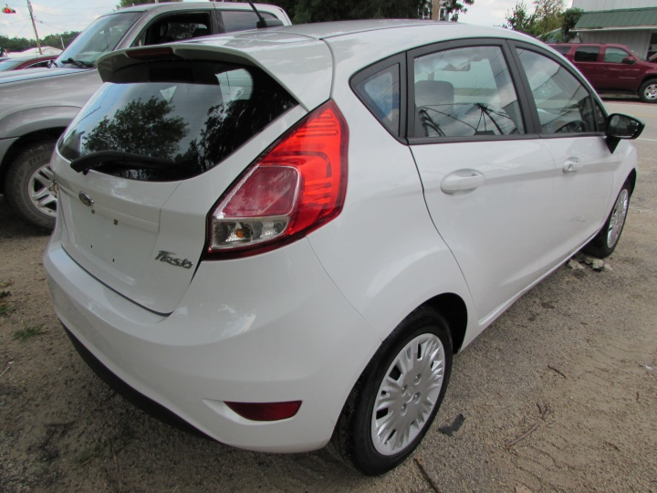 2015 Ford Fiesta S Rear Right